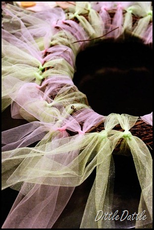 DIY-Spring-Wreath--step-1-adding-tulle
