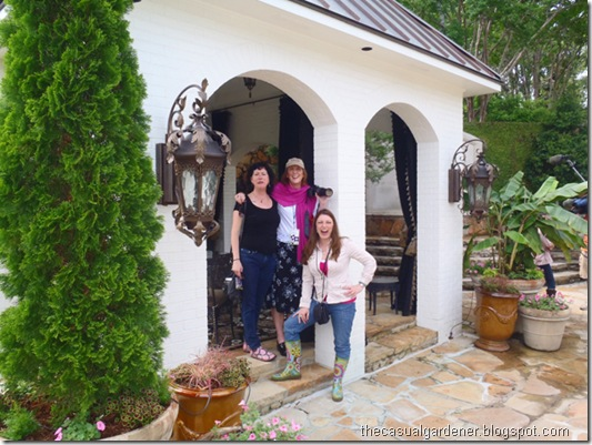 Teresa O'Connor, Helen Yoest, Shawna Coronado at garden tour with P. Allen Smith