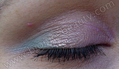 Pink, bronze and green spring eyeshadow look