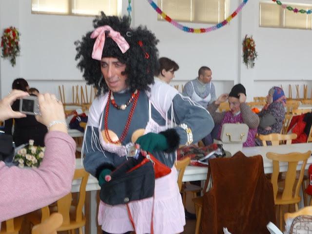 Príprava masiek v kultúrnom dome