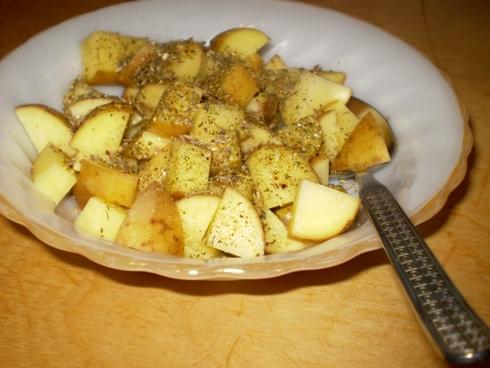 Bulvės su prieskoniais