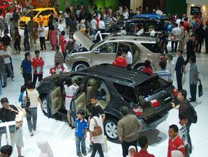 Toyota: Obral diskon Innova, Fortuner, Avanza, Rush