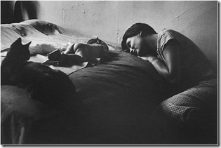 Elliot_Erwitt_NYC_Mother_and_Child
