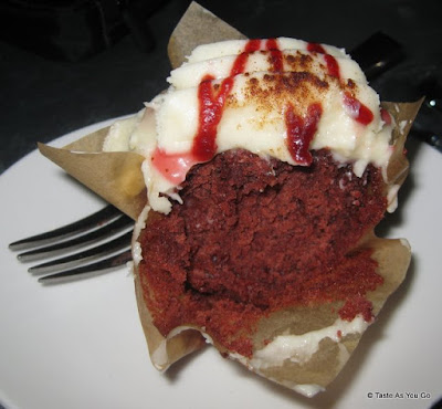 Crimson-and-Cream-Cupcake-Sweet-Revenge-New-York-NY-tasteasyougo.com