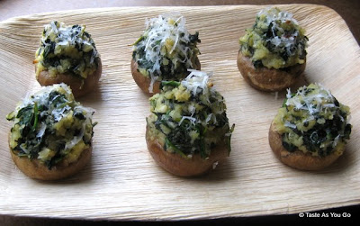Spinach-Stuffed-Mushrooms-tasteasyougo.com