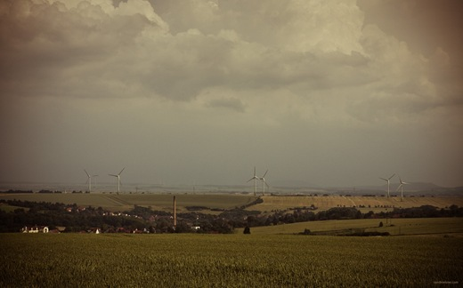 Thüringer Landschaft mit Windrädern