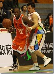璞園桑德斯(左)台灣大鄧安誠(右)