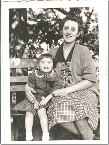 Gerda and Claudia Dowd 1950 001