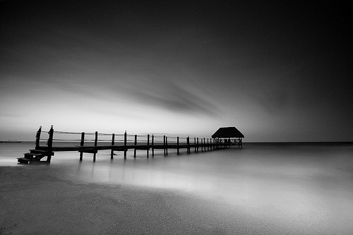 bw-quiet-in-sea
