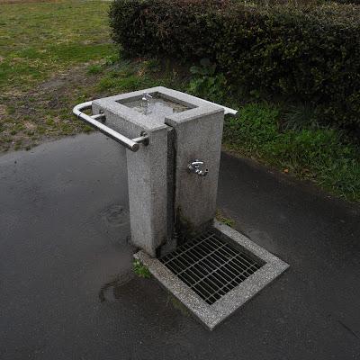 水飲み場:多摩川河川敷