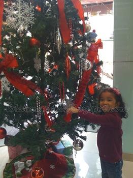 sophia_christmas_tree_4
