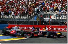 Hamilton cerca di superare Vettel