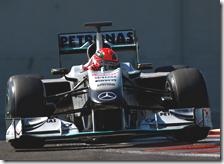Schumache con la Mercedes ai test Pirelli