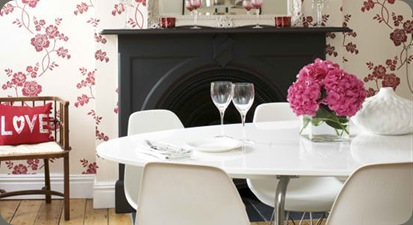 Floral wallpapered dining room