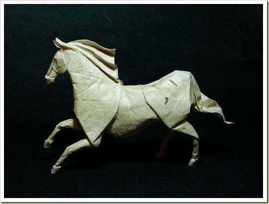 Origamis  (estan muy buenos) 13-origami-horse1