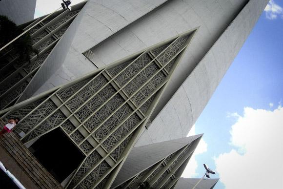 Najlepše crkve i katedrale  20-Unusual-Churches-PII-cathedral-of-maringa2