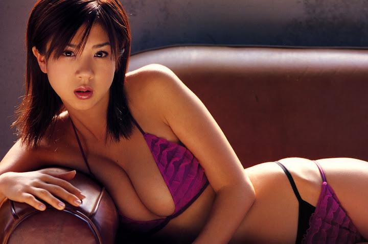 Aki Hoshino 2005111141555448.jpg
