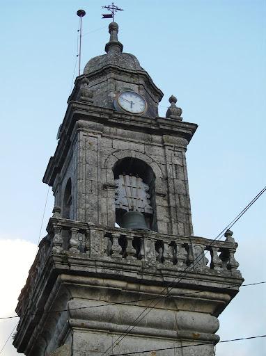 Campanario da igrexa de Beade