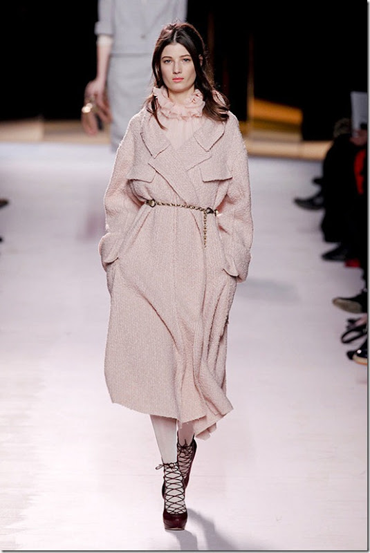 Nina-ricci-FALL-2011-RTW-podium-012_runway