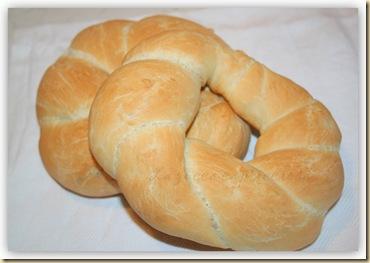 ciambelle di pane intrecciate all'olio2