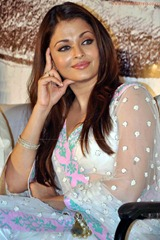 Aishwarya-Rai-hot-in-white-saree-13