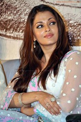 Aishwarya-Rai-hot-in-white-saree-14