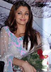 Aishwarya-Rai-hot-in-white-saree-18