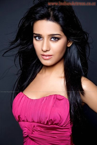 Amrita-Rao-Latest-Hot-Photos-4