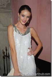 Rosie Huntington-Whiteley Candids 20th Birthday Party (1)