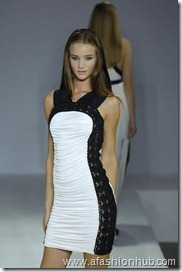 Rosie Huntington-Whiteley Runway fashion Show (32)