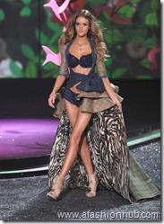 Rosie Huntington-Whiteley Fashion Show 2009 (11)