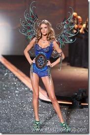 Rosie Huntington-Whiteley Fashion Show 2009 (16)