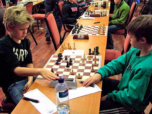 Lars Oskar Hauge hadde små problemer med å vinne dette partiet i 2.runde i klasse D.