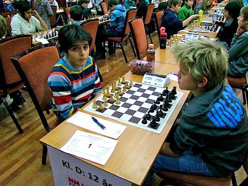 Aryan Tari og Lars Oskar Hauge delte poengene i toppoppgjøret i 5.runde.