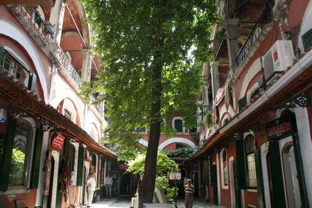 El diwan cr nicas de estambul iv beyazit el barrio for Bazar gastronomico zona norte