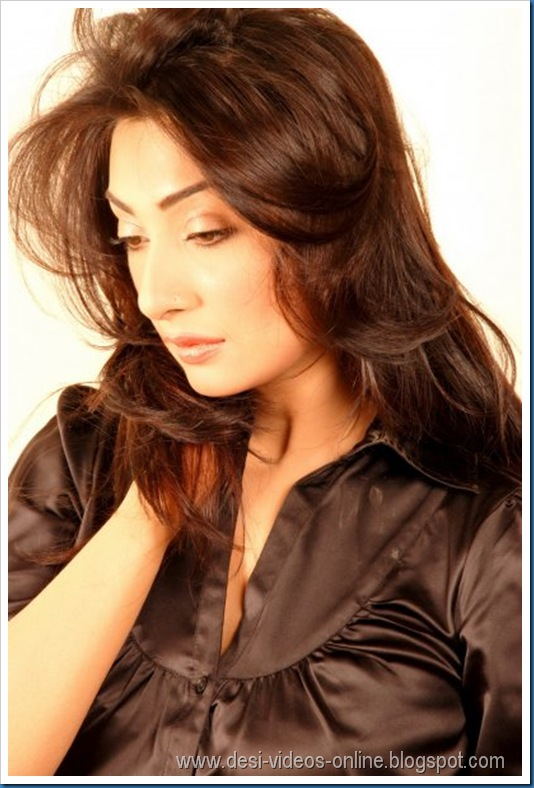 Hot-Ayesha-Khan1 (7)