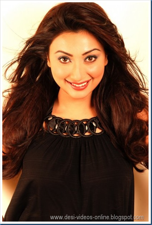 Hot-Ayesha-Khan1 (10)