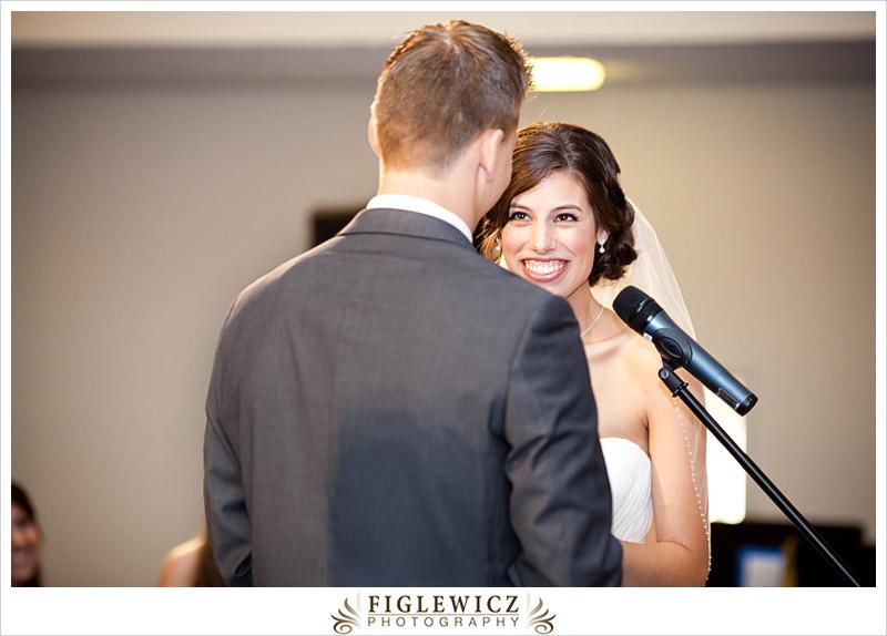 FiglewiczPhotography-AnneandPete-CrownPlaza-0038.jpg