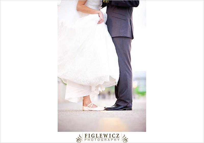 FiglewiczPhotography-AnneandPete-CrownPlaza-0071.jpg