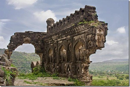 9.Daulatabad Fort - Historical Place in India