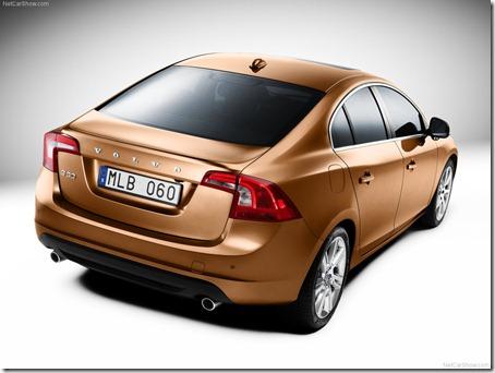 2011-Volvo-S60-Sedan-5