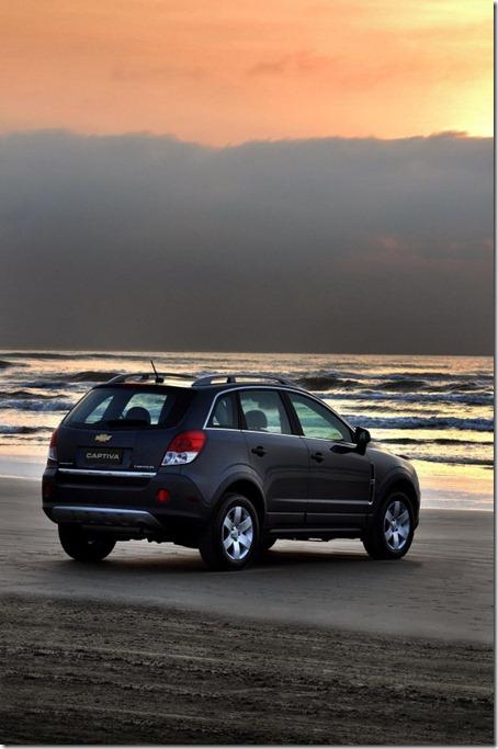 2012-Chevrolet-Captiva-Sport-Rear