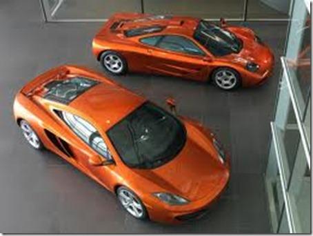 McLaren F1 vs McLaren MP4-12C