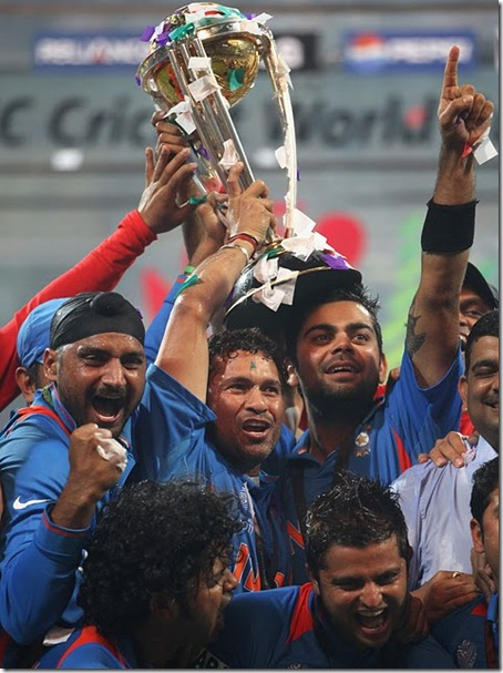 In his sixth attempt, Sachin Tendulkar gets his hands on a World Cup, India v Sri Lanka, final, World Cup 2011, Mumbai, April 2, 2011