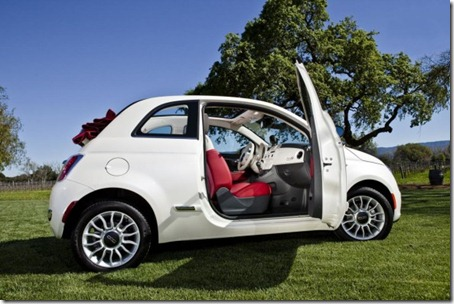 2012-Fiat-500C-Side-View