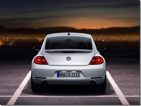 2012-Volkswagen-Beetle-White-Rear