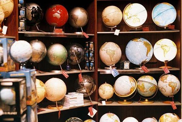globes via daydreamlily
