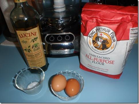 Egg & Herb Ricotta Ravioli-20100424_01