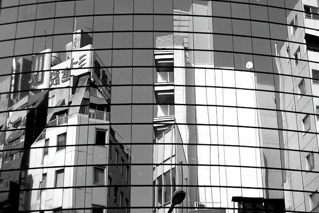 Shinjuku Mad - Subjected to reflection 01