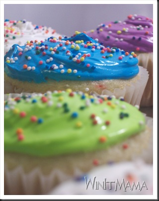 WinItMama's Tropical Super-Moist Cupcakes